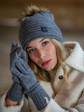 Jade fur bobble hat, made in France Pipolaki