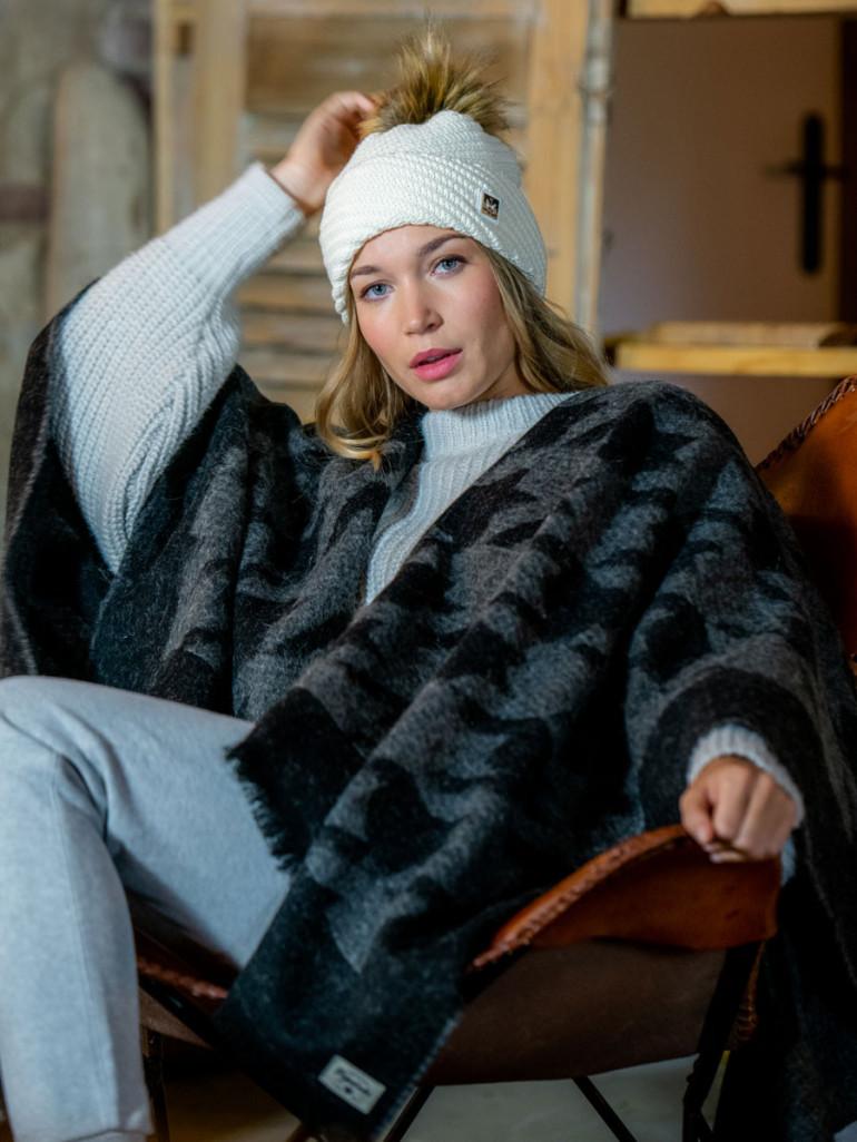 Pipolaki Bella Bobble Hat, organic wool